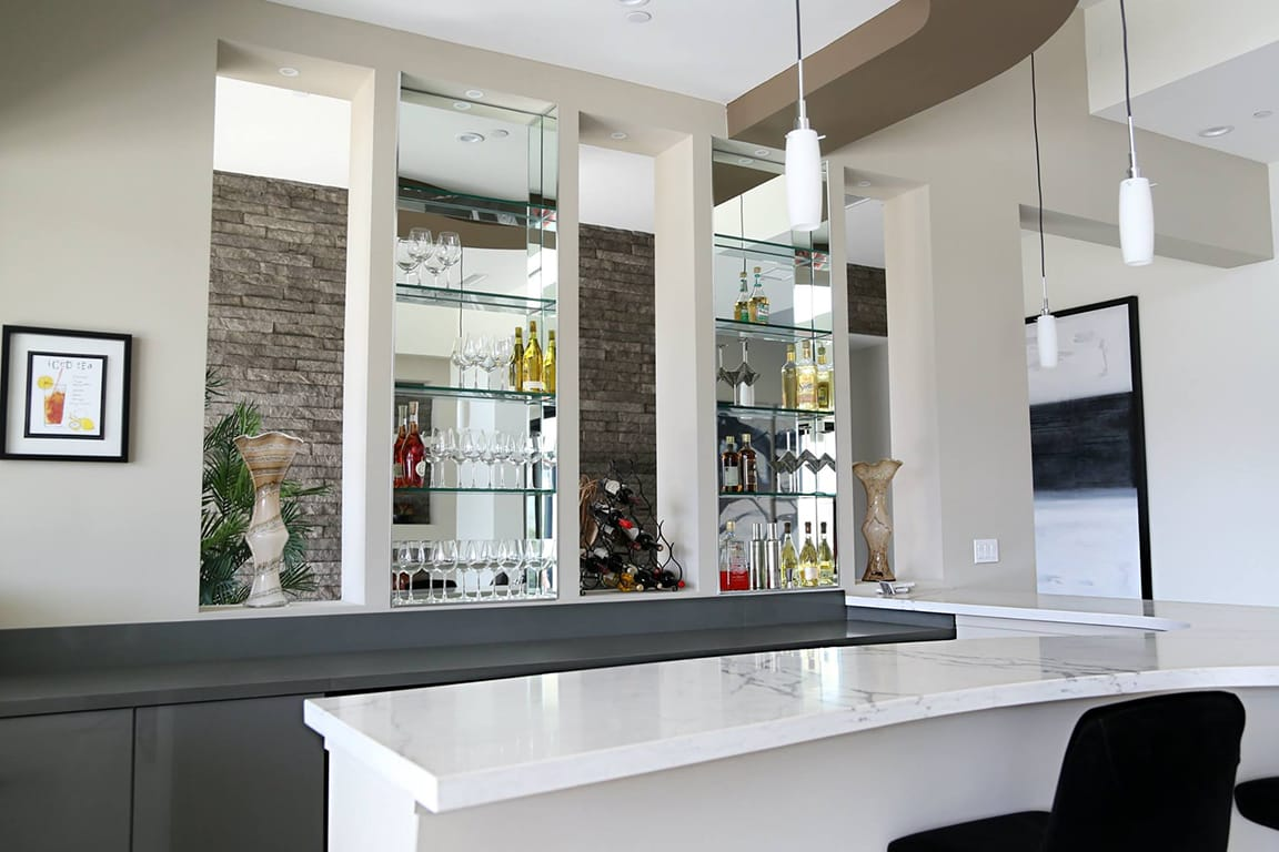 quartz - polarstone - statuario-bianco - bar - roomscene8